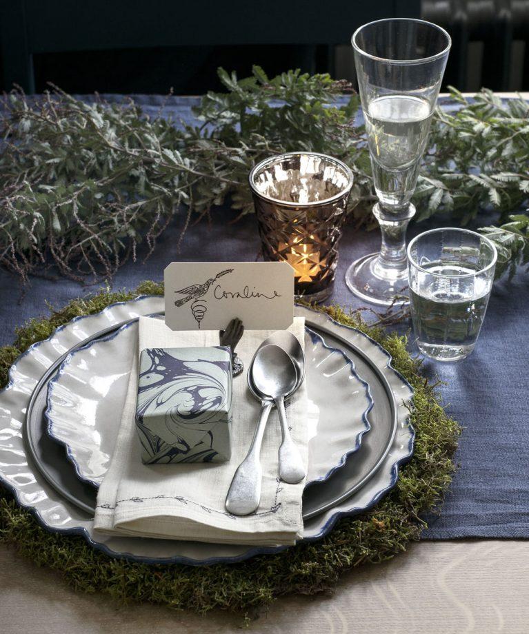 Holiday Place Settings: 7 идеи за декорация на масата за Коледа